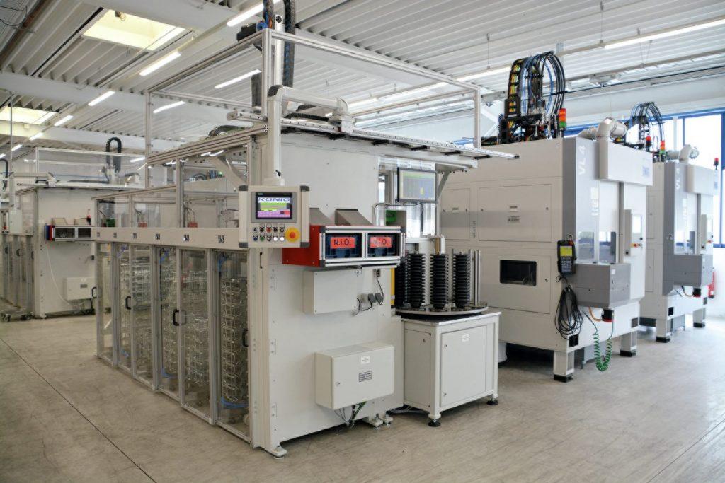 Flexibel, schnell, zuverlässig - die neue Fertigungslösung von König Automatisierungstechnik ermöglicht eine effiziente Serienproduktion in der Zerspanung.