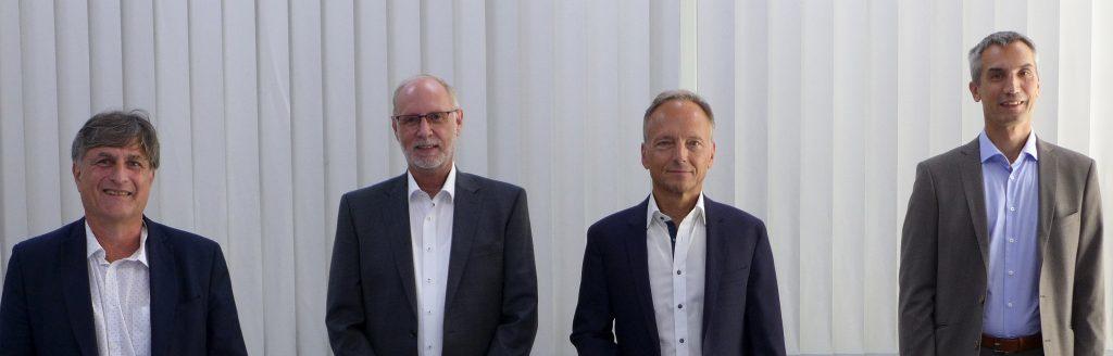 Die diesjährige Mitgliederversammlung der Profibus Nutzerorganisation fand aufgrund von Covid19 erstmals virtuell statt. Im Rahmen der turnusmäßigen Vorstandswahl wurde als Vorsitzender Karsten Schneider (Siemens AG) und als Stellvertreter Prof. Dr. Frithjof Klasen (TH Köln) sowie Dr. Jörg Hähniche (Endress + Hauser Process Solutions) wiedergewählt. Neu in den Vorstand gewählt wurde Frank Moritz (SICK AG). Die Mitgliederversammlung bestätigte ferner die Beiräte Klaus Erni (Emerson), Marco Henkel (Wago), Andreas Hennecke (Pepperl+Fuchs), Dr. Hans Krattenmacher (SEW-Eurodrive), Martin Müller (Phoenix Contact), Matthias Prinzen (Festo) und Frank Welzel (Harting). Neu aufgenommen in den Beirat wurden Manfred Haberer (SICK AG), Andreas Pfaff (Mitsubishi Electric), Edwin van Hoeven (Yokogawa) und Dr. Ulrich Viethen (Murrelekronik).
