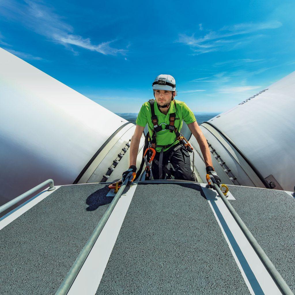 In Branchen wie der Wind- oder Automobilindustrie hat sich die  modellbasierte Entwicklung seit vielen Jahren etabliert.