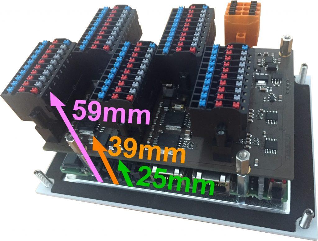 Blick unter das Rückblech der S7-SPS PC430T mit 2x Ethernet, 2x Modbus, CAN, 4,3