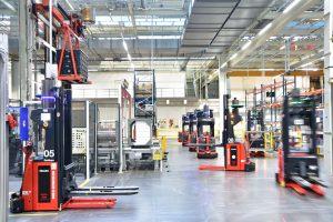 Waschmaschinenfertigung bei Miele in Gütersloh: Reibungsloser Materiafluss im Rohbau mit Transportrobotik von EK AUTOMATION