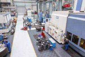 Der Standort Hilchenbach verfügt auch über eine große Fertigungswerkstatt.