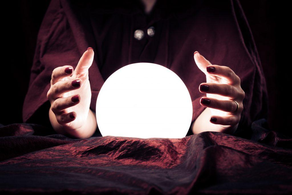 Der Blick in die Glaskugel: Industrie Informatik präsentiert eine Predictive Analytics-Lösung, die rasch und effizient den Blick in die Zukunft ermöglicht.