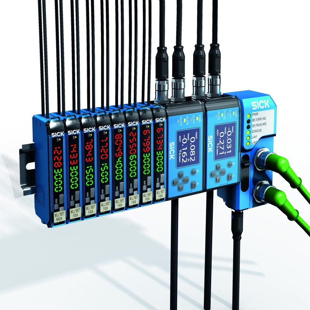 Bei den Gateways der Produktfamilie WI180C können bis zu 16 Lichtleiter-, Kontrast- und Displacementsensoren - auch im gemischten Betrieb - per Rückwandbus aneinander gesteckt und durch das gleiche Prinzip mit dem Kommunikationsmodul verbunden werden.