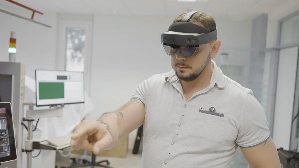 Die Hololens im Einsatz bei der Hilpert electronics AG