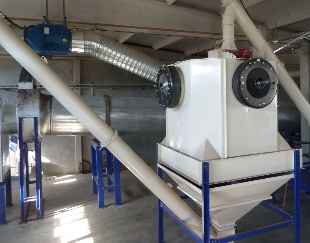 Pellet Cooler mit flammenloser Druckentlastung: Bei Anlagen zur Holzpelletproduktion sind in der Regel Ventile zur flammenlosen Explosionsdruckentlastung das kosteneffiziente Mittel der Wahl.