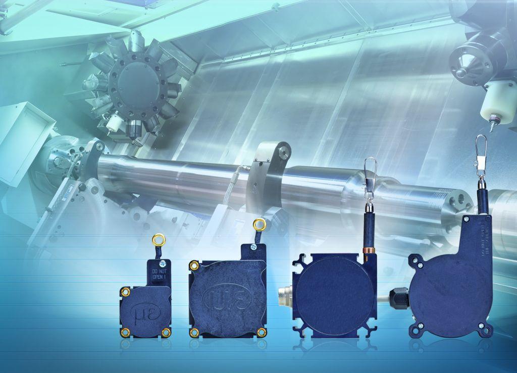 Die Position der Zentrierspitze des Reitstocks einer Werkzeugmaschine muss oft über einen sehr großen Bereich bis zu einigen Metern bestimmt werden. Durch die kompakte Bauform lassen sich Micro-Epsilon-Sensoren auch bei beengten Platzverhältnissen unterbringen.