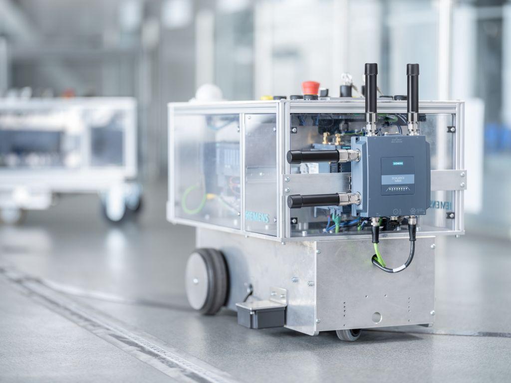 Der Scalance MUM856-1 verbindet Industrieanwendungen mit Mobilfunknetzen.