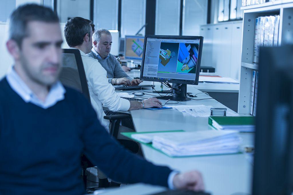 Sichere Prozesse: Die Simulationssoftware verifiziert jedes NC-Programm von Brawo, ehe es in die Fertigung geht und auf der Maschine läuft.
