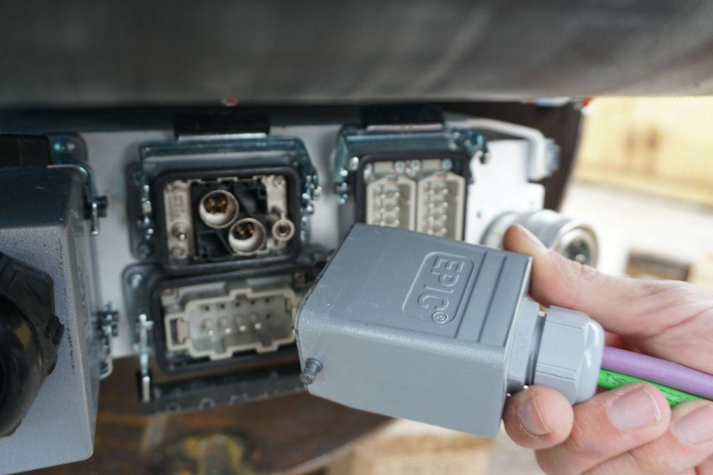 Das TUM Boring Team konnte sich seinen eigenen Unikat-Steckverbinder der Epic-Serie aus etwa 138Mio. Kombinationsmöglichkeiten online konzipieren und direkt bestellen.