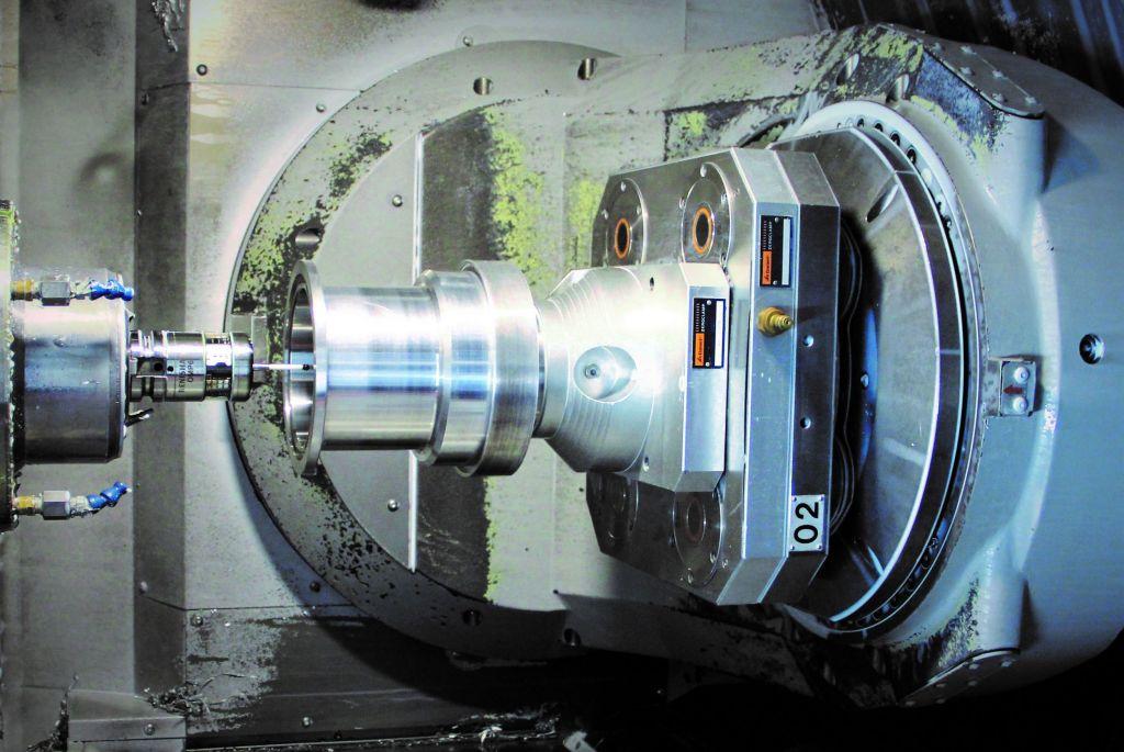 Entscheidend effektiver - durch die digitale Prozesskette vom ERP bis an die Maschine konnte der Zerspanungsspezialist seine Fertigungszeiten um 30 Prozent pro Bauteil senken.
