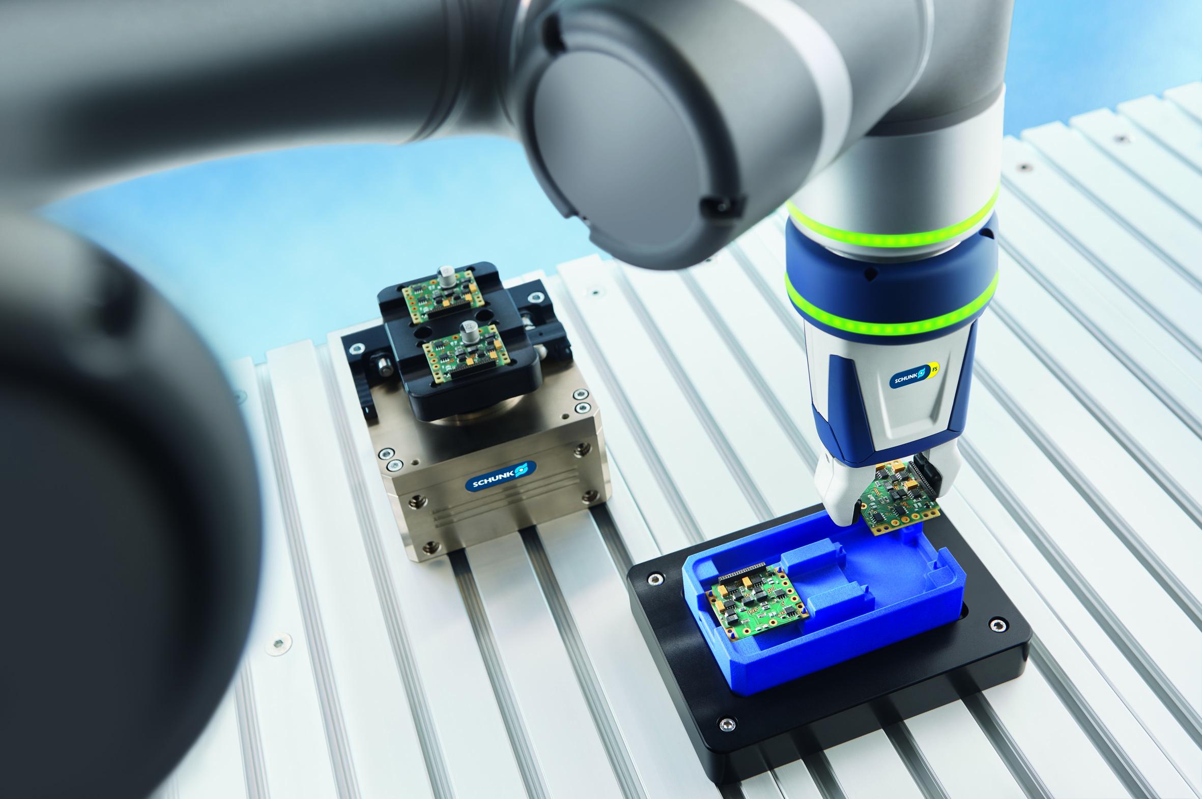 Schunk-Greifer jetzt auch für Omron- und Fanuc-Roboter